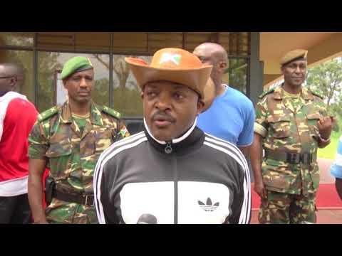 Umusi wahariwe Igiti: Prezida Pierre Nkurunziza yarateye ibiti mu kigo ca Iscam