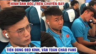 Đình Trọng viết hồ sơ nhập cảnh, Tiến Dũng đeo kính trên máy bay sang Thái Lan dự VCK U23 Châu Á