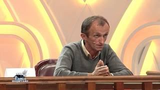 Repeat youtube video E diela shqiptare - Shihemi në gjyq (24 nëntor 2013)