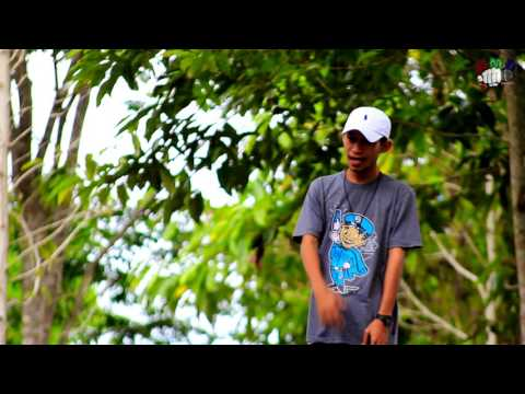 Baku Sayang - Iknas'D.ft Grand Shady ( Official Music Video ) Rap Mollucan Labrak 2016