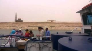 شاهد التجهيزات النهائية أمام منصة الافتتاح لقناة السويس الجديدة وبناء سور جديد