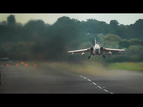 Royal Air Force - Panavia Tornado GR4 | MAD departure from RAF Northolt