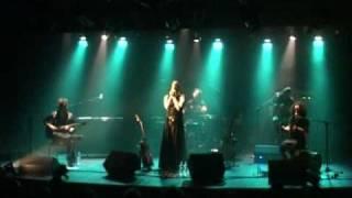 שילה פרבר -  פרח קיר