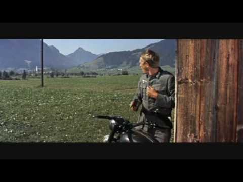 The Great Escape (La gran evasión) - Hilts escapes in motorcycle