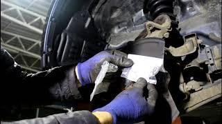 Mitsubishi Pajero 2008 Мицубиси Паджеро 3,2 литра Замена шпильки переднего колеса