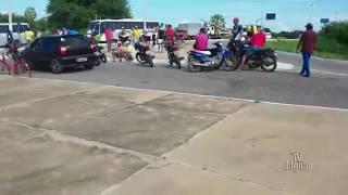 Em Quixeré caminhoneiro mantem greve na entrada da cidade nesta sexta-feira 25.