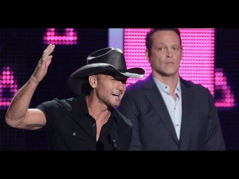 2016 CMT Music Awards | Tim McGraw Wins Big