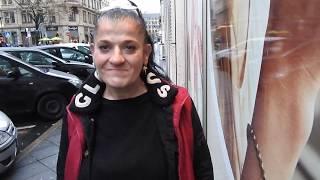 Anna, 52, ist Crack süchtig und lebt am Frankfurter HBF