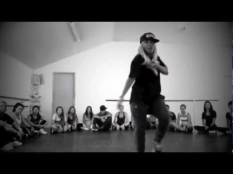 Aline Maia Ciara Twerk A little (Class )