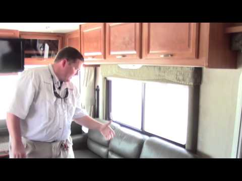 Preowned 2005 Fleetwood Flair 31A Class A Gas Motorhome - Holiday World of Houston in Katy, Texas