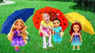 Nadia Playing with dolls and Umbrellas | Song Nursery Rhymes for kids!