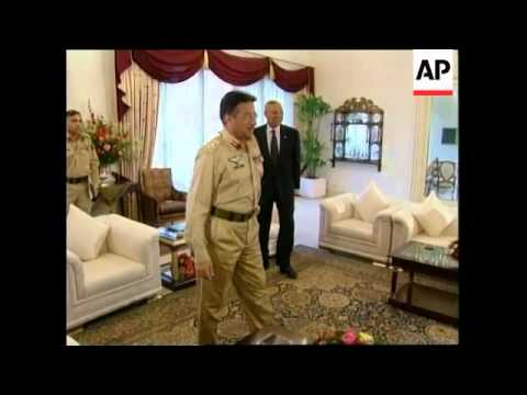 Powell meets FM Sattar & Pres Musharraf prior to presser.