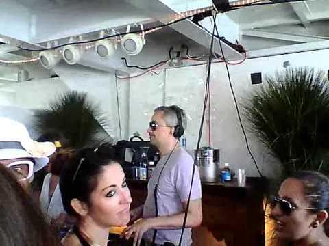 M.A.N.D.Y. (Phillip Jung) and DJ T on Ship of Fools, Miami 2012 (clip 2)