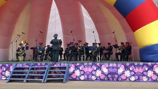 Военный оркестр Южно-Сахалинска в Долинске.