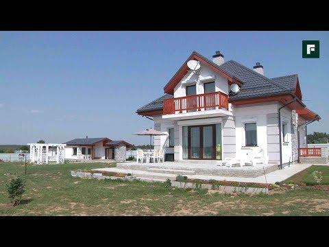 видео: Дом в средиземноморском стиле с патио // forumhouse