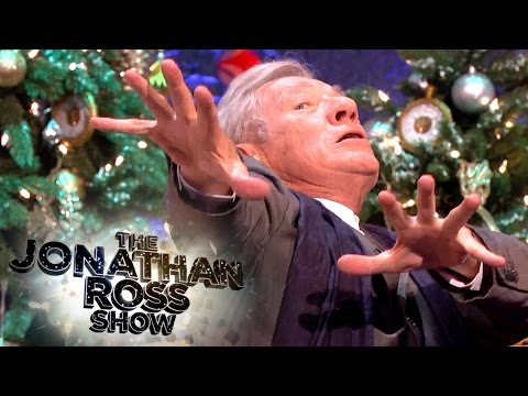 Sir Ian McKellen on Playing Magneto - The Jonathan Ross Show