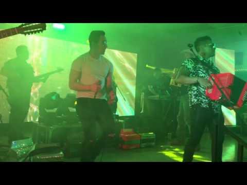 AJ Castillo & Los Desperadoz- Bailadora/Cumbia Sampuesana