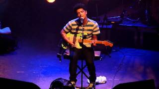 Bruno Mars - Talking To The Moon @ La Cigale, Paris, France