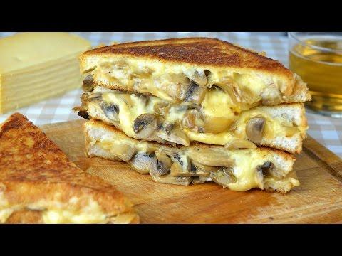 Mushroom, Onion & Gouda Cheese Sandwich-Grilled Cheese Sandwich with Sauteed Mushrooms & Onion