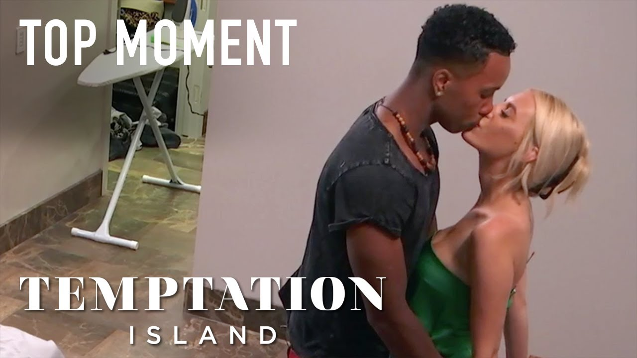 Kendal Kisses Alexcys And Tells Her She Can Stay If She Wants | Temptation Island | USA Network