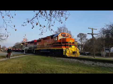 CANADA 150 WRAPS ON 87! GEXR 581/516, VIA 87 Arriving and Departing Stratford November 14, 2017 [HD]