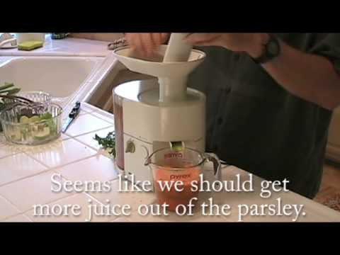 Kenwood Slow Scroll Juicer Review : Kenwood JE810 Centrifugal vita-Pro Juice Extractor Doovi