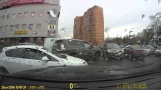 видео #1 Автомобиль задели на парковке и скрылись! Можно ли получить страховую выплату?