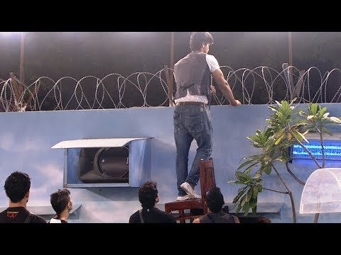 Bigg Boss 7 :Kushal attempts to cross the...
