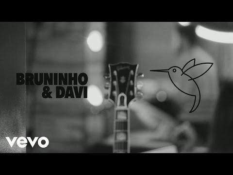 Bruninho & Davi - Beija-Flor Me Beija (Lyric Video)