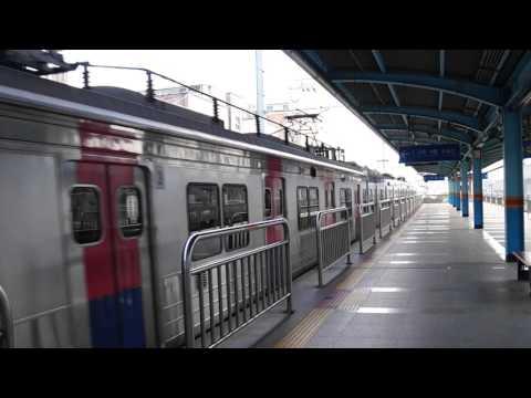 Korail Line 1 train leaving Jemulpo