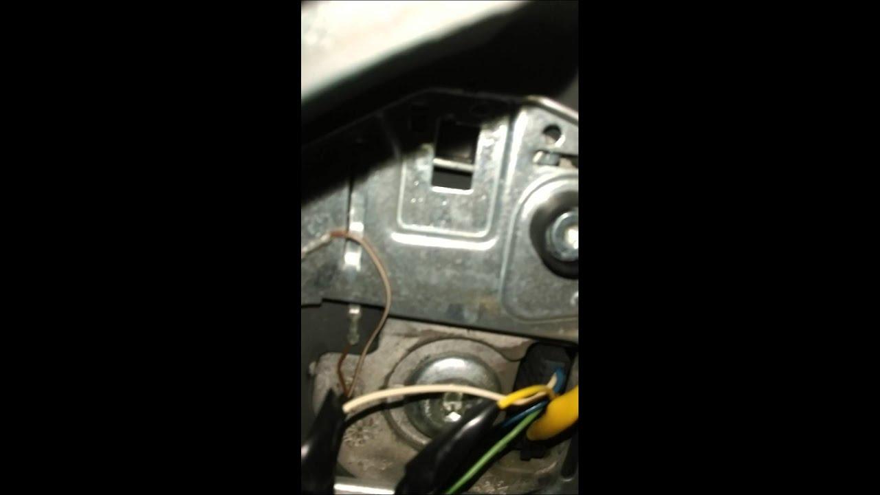 Снятие подушки водителя Opel astra h часть 1