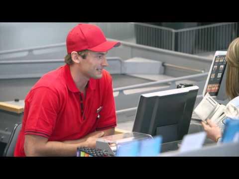 Petter Northug hjelper til i Coop Extra-butikken versjon 1