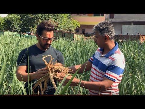 Aamir Khan Meets Ashok Chivte, 'Magician' Organic Farmer (जादू आगपेटीमुक्त शेतीची) | Eng. Subtitles