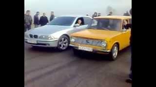 BMW срещу поредната жигулка, този път е жълта!