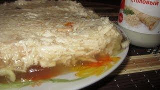 Полезный студень (холодец) из куриного филе и лапок.