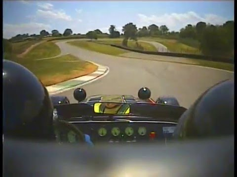 caterham super seven jpe sur le circuit de pau arnos 64 youtube. Black Bedroom Furniture Sets. Home Design Ideas