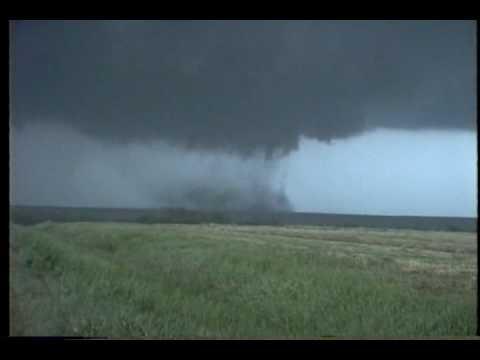 Tornado near Jetmore Kansas, May 1995