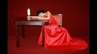 Rüyada kırmızı elbiseli kadın görmek