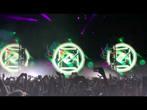Zedd - Spectrum vs. Beautiful Now Opening Stage Live at Staples Center
