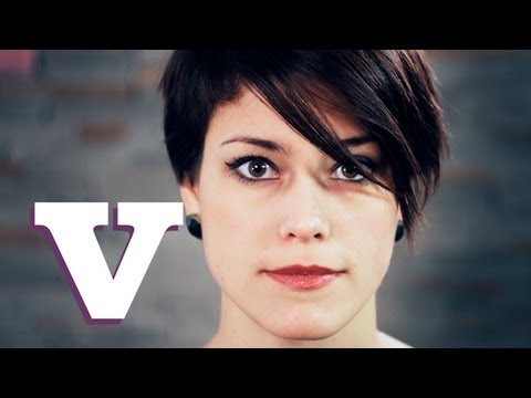 How To Do The Anne Hathaway Short Hair Style Hair With Hollie S02e1 8 Youtube