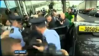 ニュース速報:アイルランドの銀行家が逮捕され告発される