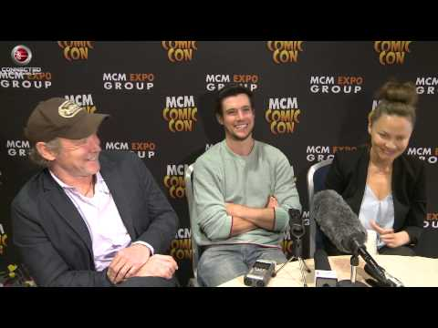 Falling Skies Season 5  Will Patton, Moon Bloodgood and Drew Roy at MCM