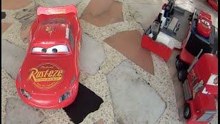 Caminhão Mate  do filme Carros (Cars) Relâmpago McQueen em saltos radicais Imaginext