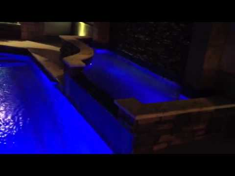 Alberca luces led youtube for Luces led piscina