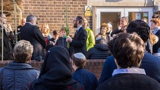 Mosque hosts Jewish community for Sukkah