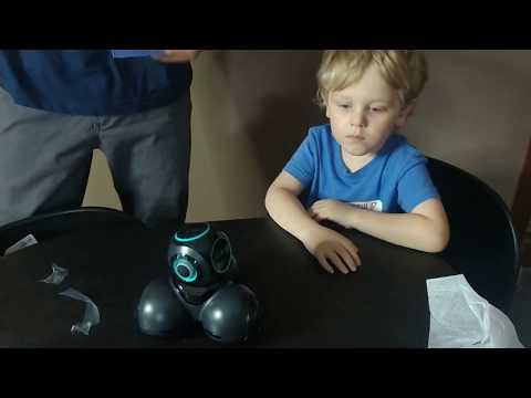 Wonder Workshop Cue Coding Robot With Sketch Kit Bundle Unboxing