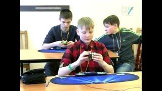 Рекорд  России по количеству  ходов сборки кубика Рубика поставили в Купчино
