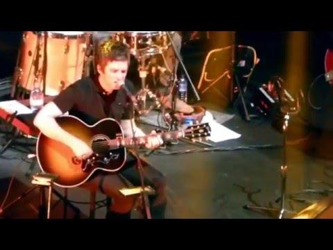 Noel Gallagher's High Flying Birds -Slide Away- Oasis Cover 10/12/2015 @ RAH, London