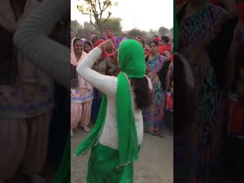 Cute girl dance in bolan m bhi tota sa haryanvi ...