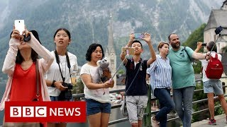 A town of 800 people that gets 1m tourists a year - BBC News